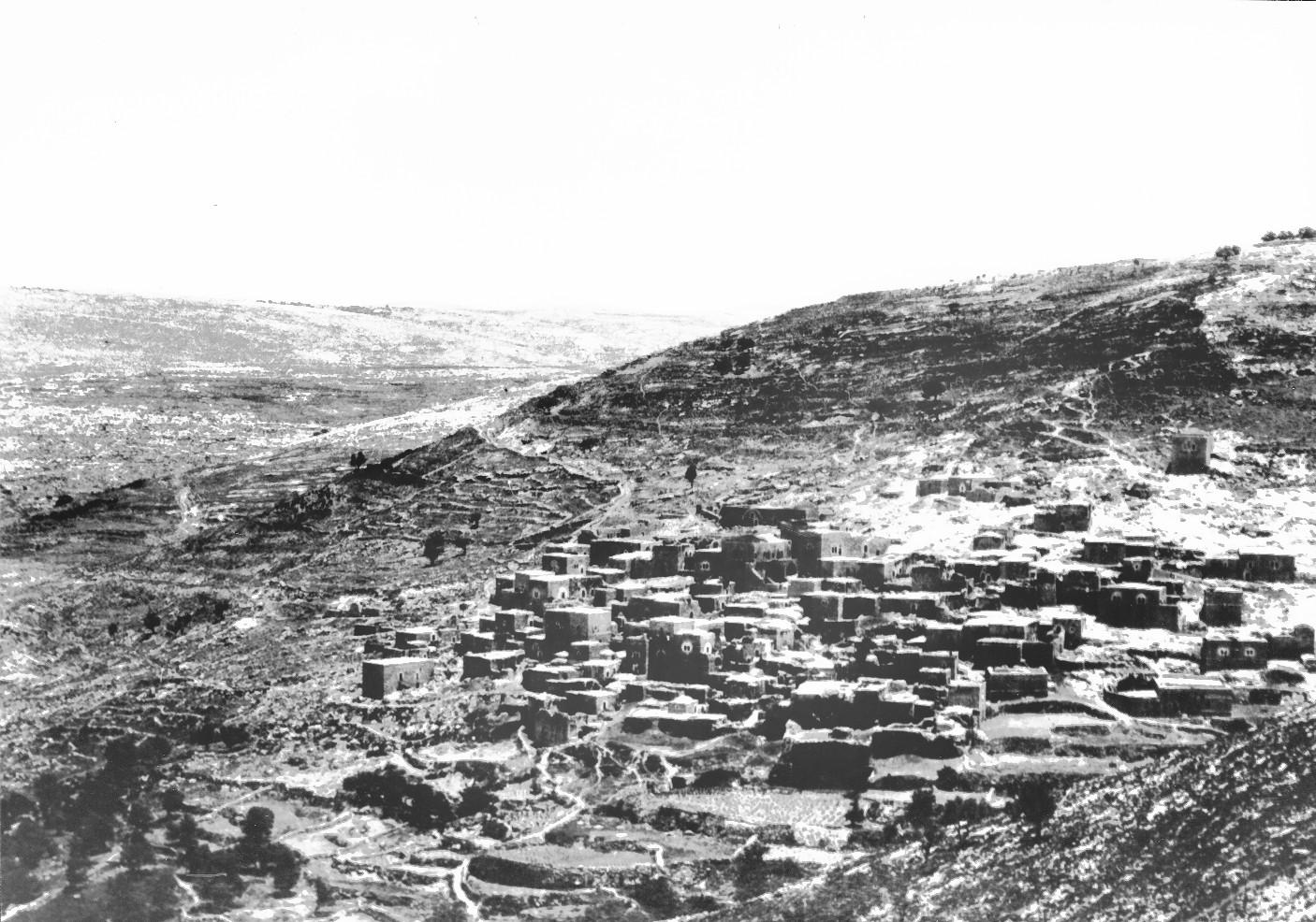 נוף הכפר ליפתא מהמדרון הדרום-מערבי